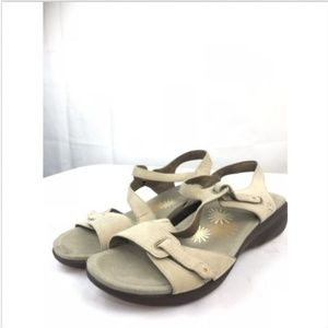 Dansko Irene Sand Nubuck Women's Sandals.